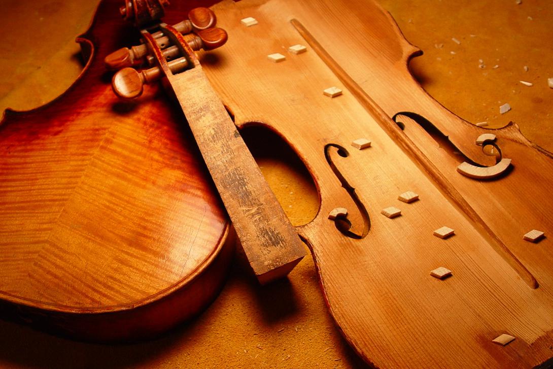 Violin_restoration